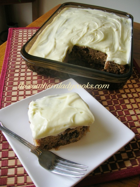 Applesauce, Banana and Raisin Cake